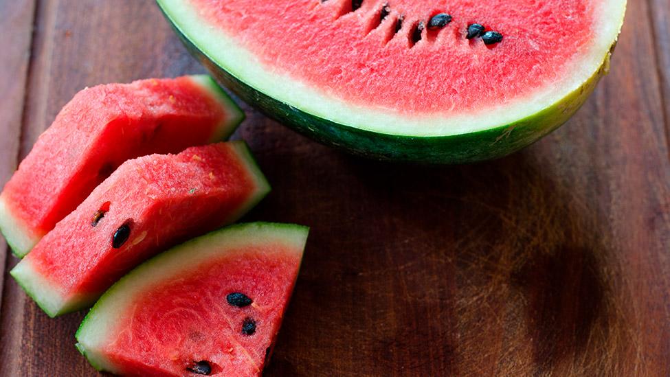 Beneficios de comer sandía y contraindicaciones