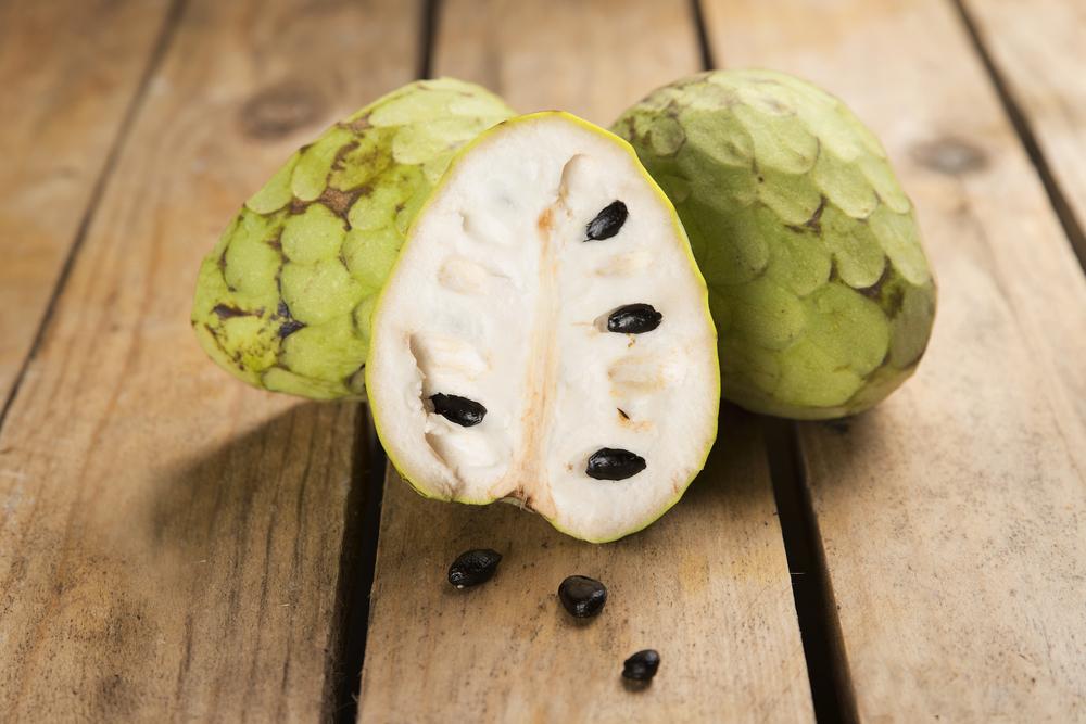Propiedades y contraindicaciones de la chirimoya, ¿engorda?